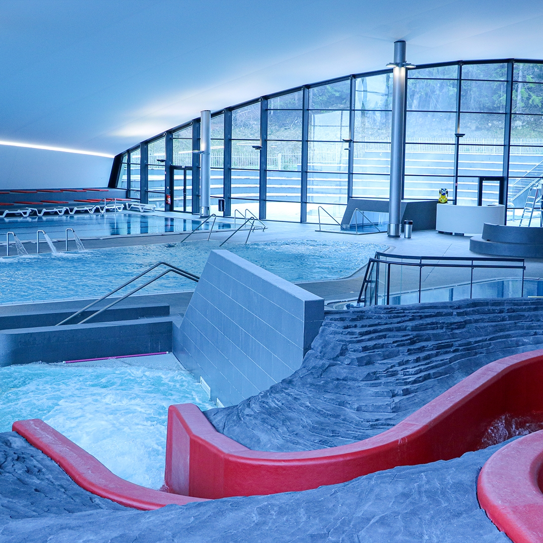 Entrance Aqualudique swimming pool courchevel relax slides kids enjoy pleasure play