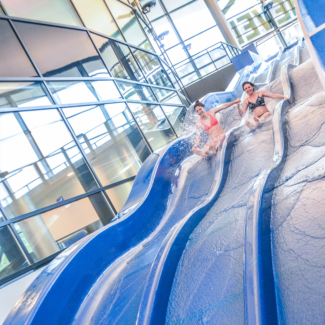 Entrance Aqualudique familly pass swimming pool Aquamotion Courchevel swim relax slides kids children fun good time